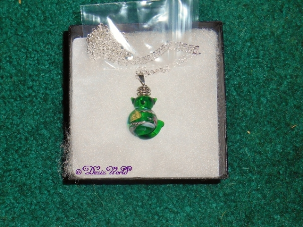 Emerald kitty keepsake naecklace urn