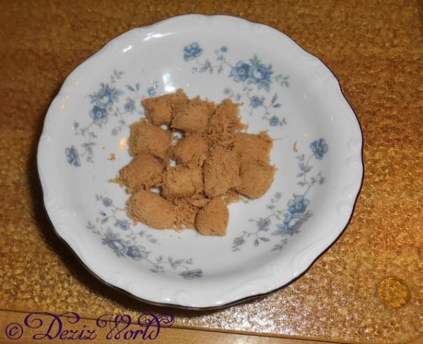 Bowl of Stella and Chewy's duck duck goose freeze dried nuggets
