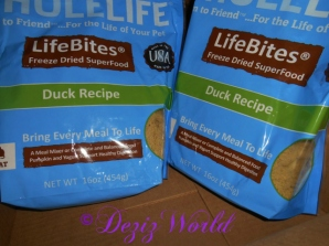 Whole life freeze dried duck cat food
