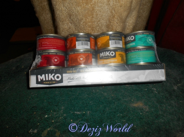 Miko poultry variety pack cat food